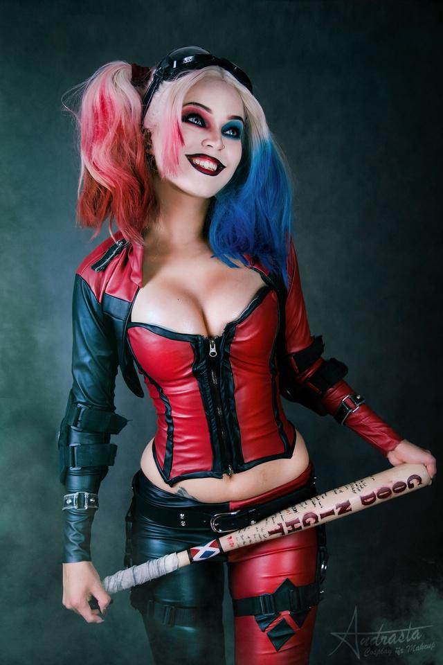 Ngắm cosplay nàng hề Harley Quinn nóng bỏng đến nỗi fan chỉ biết biết tặc lưỡi, chép miệng - Ảnh 2.