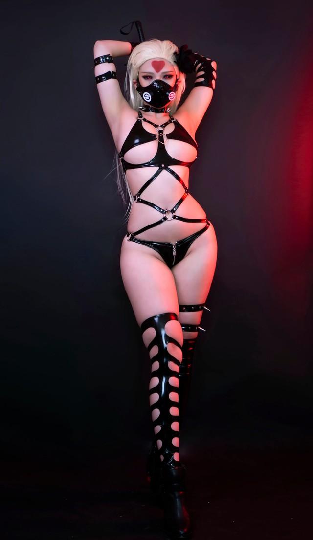 Mỹ nữ quái vật One Punch Man nóng bỏng đến nghẹt thở qua màn hóa thân của nàng coser gốc Việt - Ảnh 4.