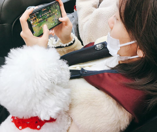 Ai rồi cũng Tốc Chiến thôi: Quốc bảo mỹ nữ xứ Hàn - Yoona (SNSD) đăng ảnh try-hard game, lại còn quẩy Dasua cực căng - Ảnh 3.