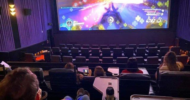 CGV mở dịch vụ cho thuê phòng chiếu phim để chơi game - Ảnh 2.
