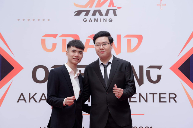 Nguyen Duong Thanh and his partner in opening the game room - Photo 3.