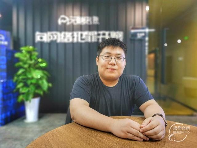 Tự học lập trình trong quán game, thanh niên này đã trở thành thần tượng của giới trẻ Trung Quốc - Ảnh 3.