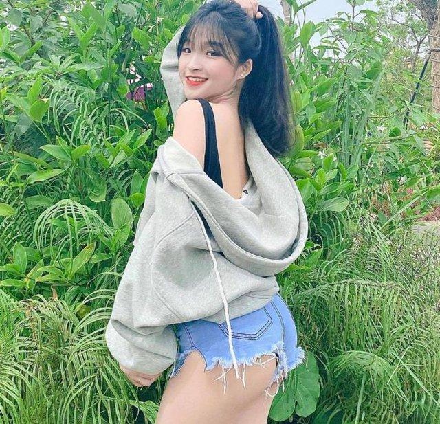 Xinh đẹp và gợi cảm, nàng hot girl Việt 2k2 bất ngờ được báo nước ngoài khen ngợi, chiêm ngưỡng nhan sắc càng thêm bất ngờ - Ảnh 9.