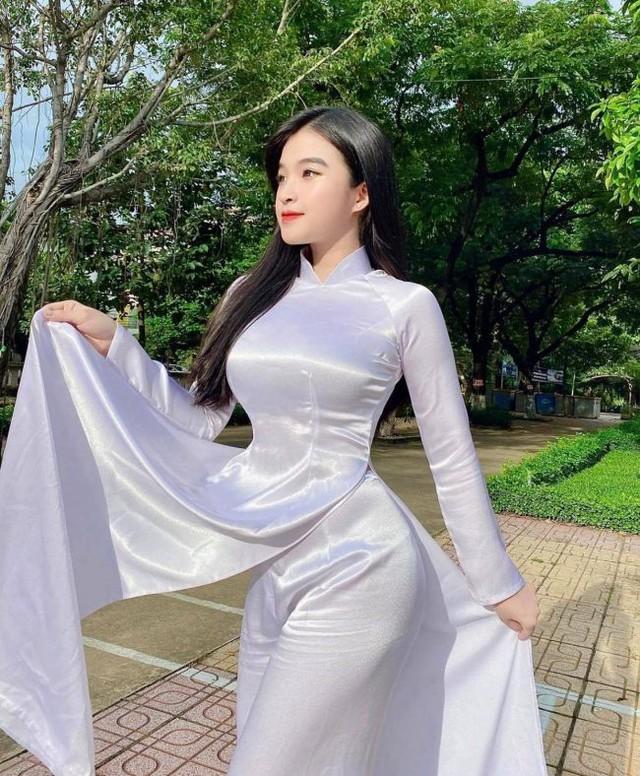 Xinh đẹp và gợi cảm, nàng hot girl Việt 2k2 bất ngờ được báo nước ngoài khen ngợi, chiêm ngưỡng nhan sắc càng thêm bất ngờ - Ảnh 3.