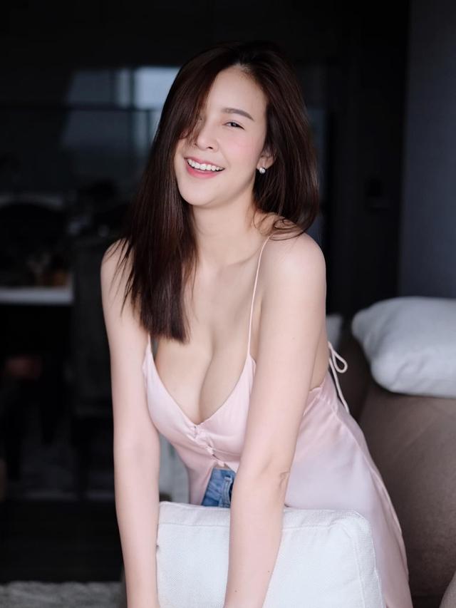 Được mệnh danh là siêu vòng một Đông Nam Á, nàng hot girl đốt mắt người xem với bộ ảnh hút hồn - Ảnh 6.