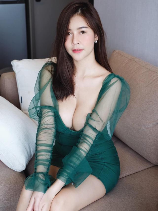 Được mệnh danh là siêu vòng một Đông Nam Á, nàng hot girl đốt mắt người xem với bộ ảnh hút hồn - Ảnh 8.