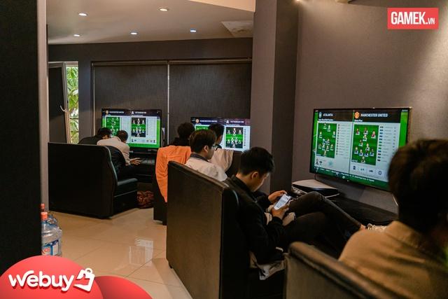 Cận cảnh quán PS5 siêu xịn xò đầu tiên tại Hà Nội - Ảnh 9.