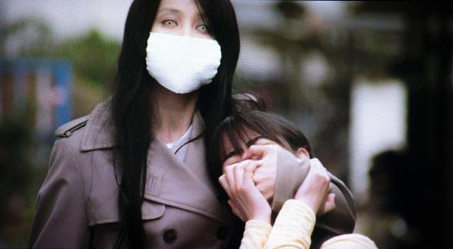 Truyền thuyết đô thị Nhật Bản: Người đàn bà đeo khẩu trang ám ảnh trẻ con với câu hỏi Ta có đẹp không? và câu trả lời định đoạt số phận nạn nhân - Ảnh 2.