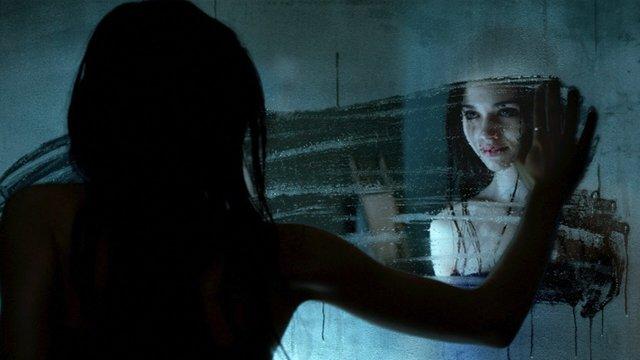 Truyền thuyết kinh dị về những tấm gương: Điều gì sẽ xảy ra nếu bạn gọi Bloody Mary mười ba lần? - Ảnh 5.
