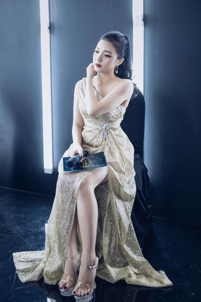 Nữ MC có dung nhan tuyệt sắc Photo-1-1611679528297581675815