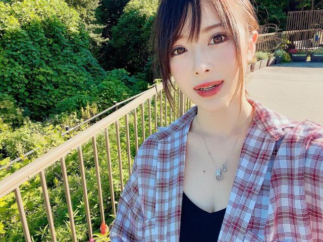 Chụp hình chung với Yui Hatano, mỹ nhân 18+ bị cha mẹ hỏi: Con đồng tính à? - Ảnh 5.