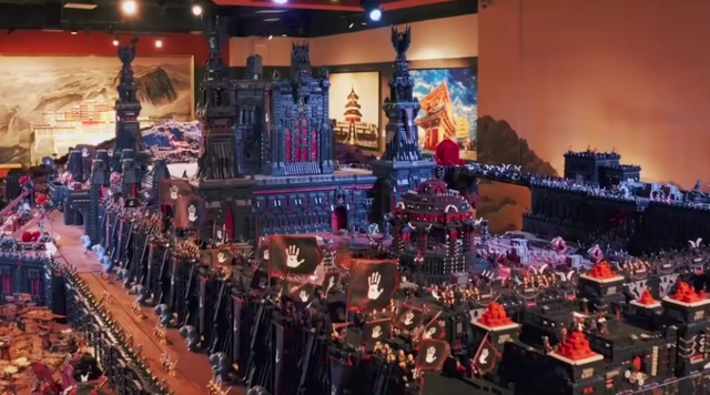 150 million pieces and 3 years of hard work, this is the largest Lego set in history - Photo 2.