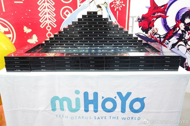 Cha đẻ Genshin Impact tặng quà Tết nhân viên mỗi người một cái PS5, iPhone 12, VGA RTX, Nintendo Switch... hàng xếp cao như núi - Ảnh 3.