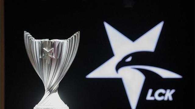 Giải đấu LCK ra mắt bộ nhận diện thương hiệu mới, fan than trời vì... quá xấu - Ảnh 4.