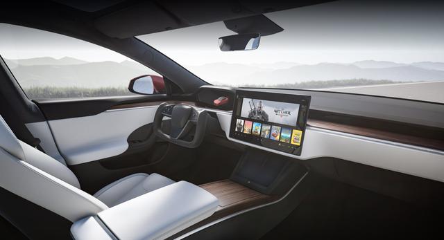 Chiều chuộng game thủ, Elon Musk tung ra mẫu xe siêu bá đạo, chơi được cả game bom tấn AAA - Ảnh 1.