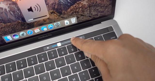"""Microsoft bỗng dưng """"cà khịa"""" thanh Touch Bar trên MacBook Pro của Apple - Ảnh 1."""