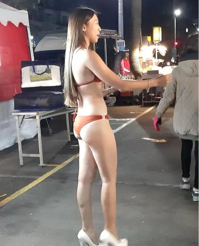 Mặc bikini đứng bán hoa quả giữa trời lạnh 5 độ, nàng hot girl xinh đẹp khiến cộng đồng mạng thương cảm, xót xa - Ảnh 4.