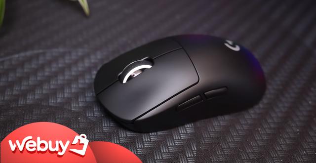 Trên tay Logitech G Pro X Superlight: Chuột chơi game không dây nhẹ nhất thế giới - Ảnh 1.