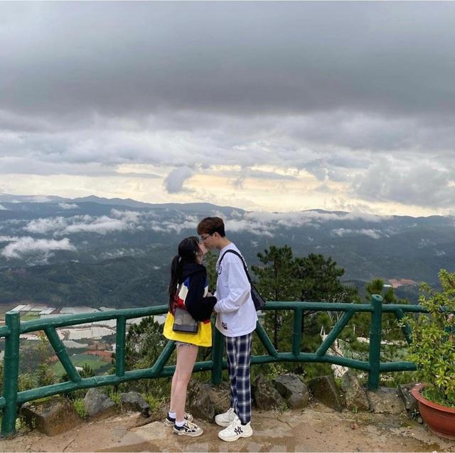 Thể hiện tình yêu như ADC: Chụp hình thân mật với bạn gái Tinngan1258197359533730-16099073001101556710313