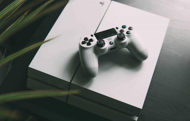 Sony xác nhận khai tử PS4 Pro, thời PS5 đã tới muốn cản cũng không được - Ảnh 1.