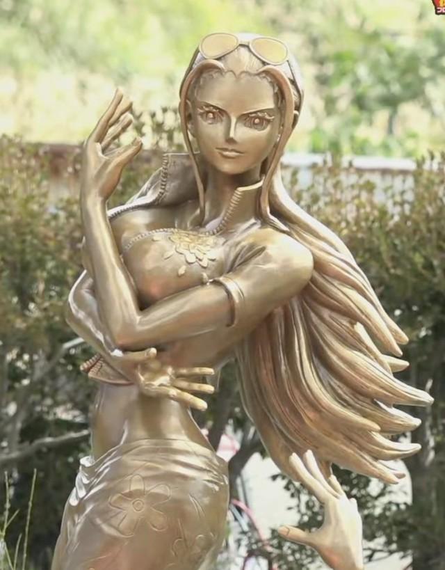 Các fan One Piece phấn khích trước bức tượng Robin, thần thái đạt điểm 10 chất lượng - Ảnh 2.