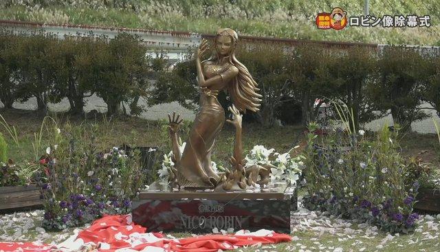 Các fan One Piece phấn khích trước bức tượng Robin, thần thái đạt điểm 10 chất lượng - Ảnh 3.