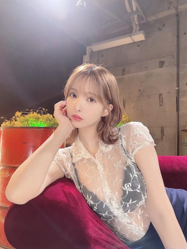 Yua Mikami mở talkshow, nhận tư vấn tình cảm, chuyện khó nói, fan chỉ cầu khẩn chăm chỉ ra phim mới - Ảnh 7.