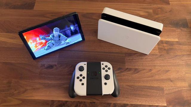 Trên tay Nintendo Switch OLED, màn hình quá đẹp, mượt mà miễn chê - Ảnh 3.