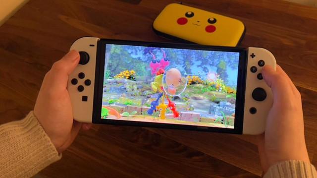 Trên tay Nintendo Switch OLED, màn hình quá đẹp, mượt mà miễn chê - Ảnh 4.