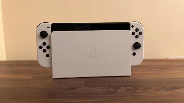 Trên tay Nintendo Switch OLED, màn hình quá đẹp, mượt mà miễn chê - Ảnh 6.