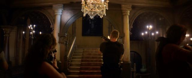 Resident Evil tung trailer xác sống rùng rợn, nội dung bám sát trò chơi gốc đình đám - Ảnh 4.
