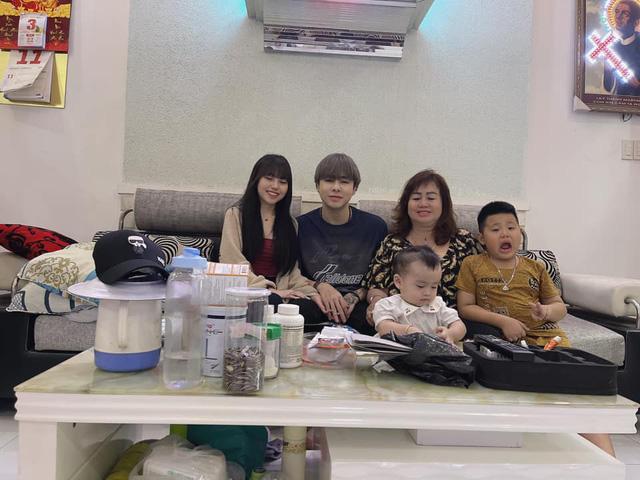Đầu xuân năm mới, Zeros - Lai Lai cùng nhau ra mắt gia đình hai bên khiến fan rần rần: Cưới đến nơi rồi Lộc ơi - Ảnh 1.