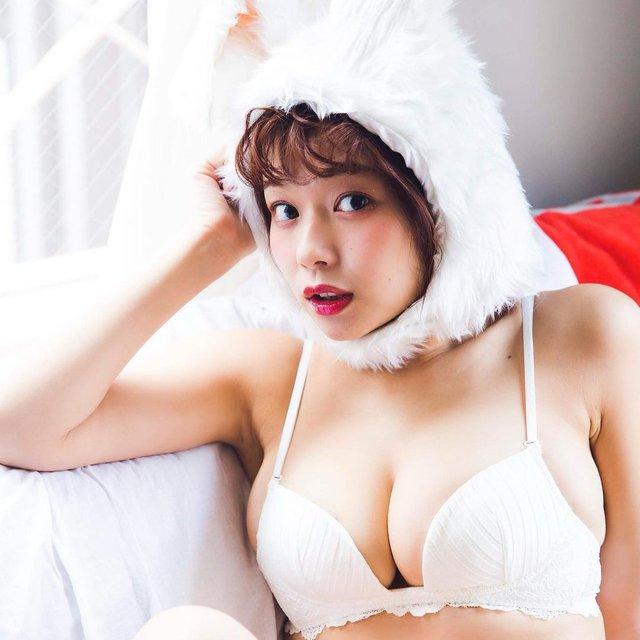Khoe thân ngoài suối nước nóng, người mẫu 18+ Nhật Bản gặp sự cố nhạy cảm - Ảnh 3.