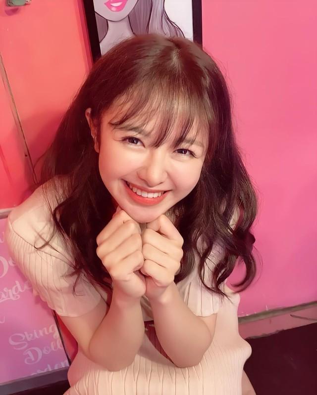 Ngắm nhan sắc Rio Kuriyama, mỹ nữ 18+ nhỏ nhắn ngực khủng đang leo top BXH Nhật Bản - Ảnh 2.