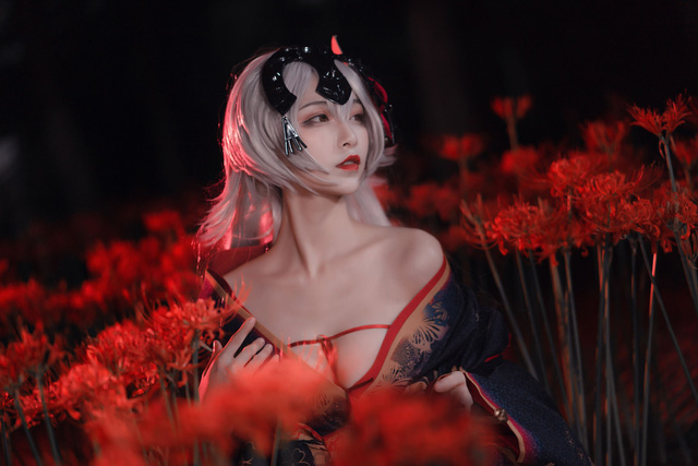 Mãn nhãn ngắm mỹ nhân Fate/Grand Order diện trang phục khoe vòng 1 hờ hững Photo-1-16136276275791222986027