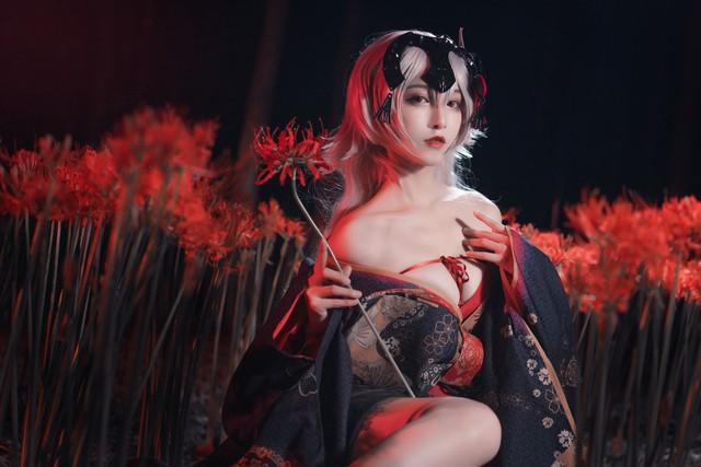 Mãn nhãn ngắm mỹ nhân Fate/Grand Order diện trang phục khoe vòng 1 hờ hững Photo-1-1613627681712137966308