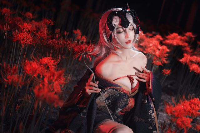 Mãn nhãn ngắm mỹ nhân Fate/Grand Order diện trang phục khoe vòng 1 hờ hững Photo-1-1613627687886483106086