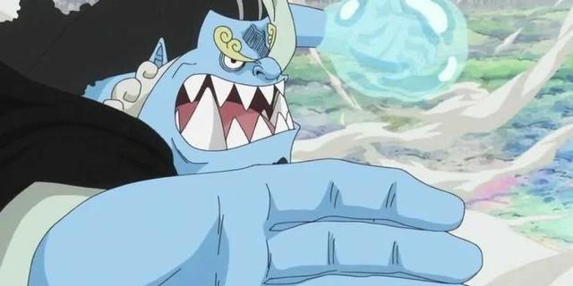 One Piece: Hành trình từ một Thất Vũ Hải, thuyền trưởng băng Mặt Trời cho tới hiện tại chỉ là người lái tàu băng Mũ Rơm của Jinbe - Ảnh 2.