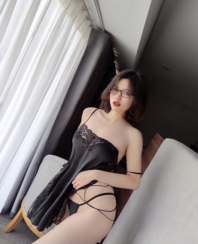 Cực chuộng bikini cắt xẻ táo bạo lại còn toàn chụp góc hiểm, gái xinh Hà Thành khiến dân tình dậy sóng ngay trong đêm - Ảnh 19.