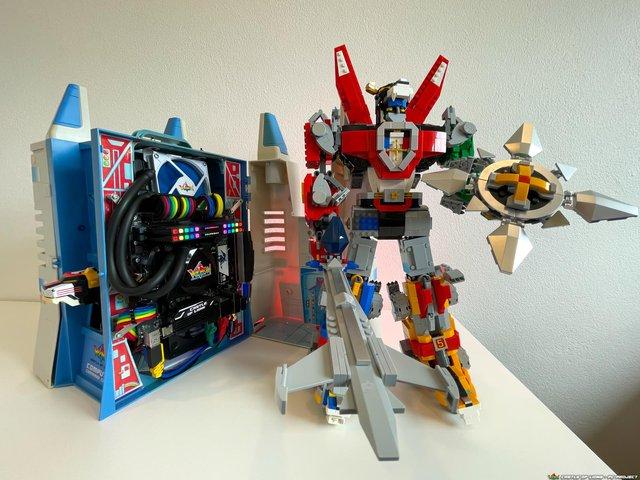 Hô biến bộ đồ chơi ấu thơ thành dàn PC robot Voltron đẹp ngỡ ngàng - Ảnh 8.