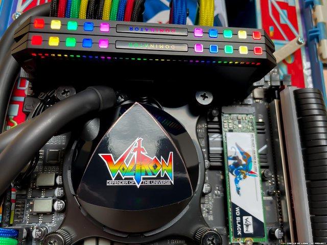 Hô biến bộ đồ chơi ấu thơ thành dàn PC robot Voltron đẹp ngỡ ngàng - Ảnh 6.