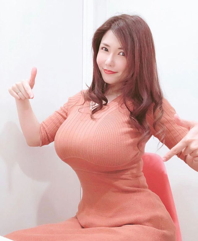 Chán ngán phim 18+, cô đào ngực khủng nhất Nhật Bản yêu cầu xóa hết tư liệu cũ để hoàn lương - Ảnh 3.