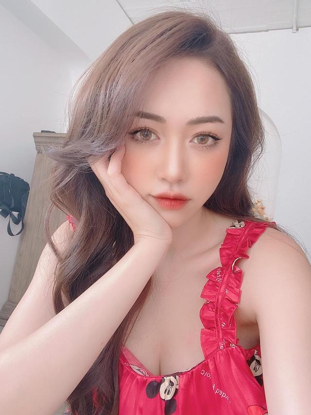 Sở hữu vòng một siêu đẹp cùng đôi chân dài 1m, nàng hot girl Việt khiến cộng đồng mạng xao xuyến - Ảnh 4.
