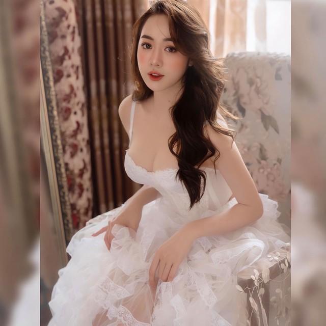 Sở hữu vòng một siêu đẹp cùng đôi chân dài 1m, nàng hot girl Việt khiến cộng đồng mạng xao xuyến - Ảnh 5.