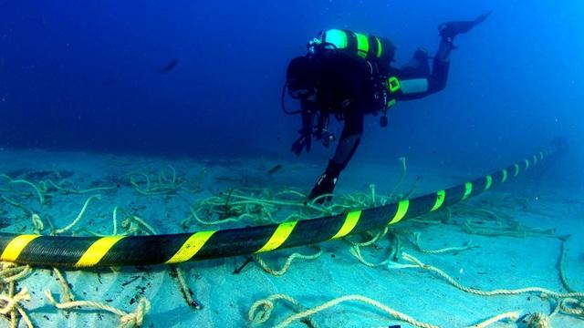 Chính thức sửa xong 2 tuyến cáp quang biển, anh em có thấy tốc độ mạng nhanh hơn trước tý nào? - Ảnh 1.
