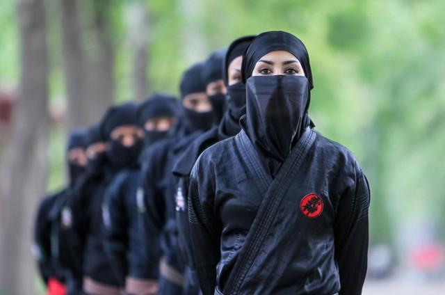Sở hữu sắc đẹp và những chiêu thức chết người, các nữ ninja Kunoichi lợi hại tới mức nào? - Ảnh 2.