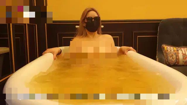 Làm clip khoe thân với đủ các nội dung phản cảm, nữ YouTuber giấu mặt bị truy tìm danh tính, ném đá dữ dội - Ảnh 7.