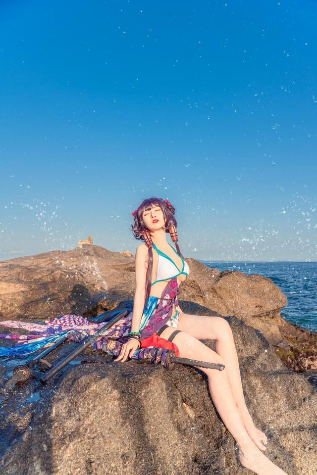 Mơ màng ngắm nàng Servant trong Fate/Grand Order diện trang phục mát mẻ tạo dáng bên bờ biển - Ảnh 8.