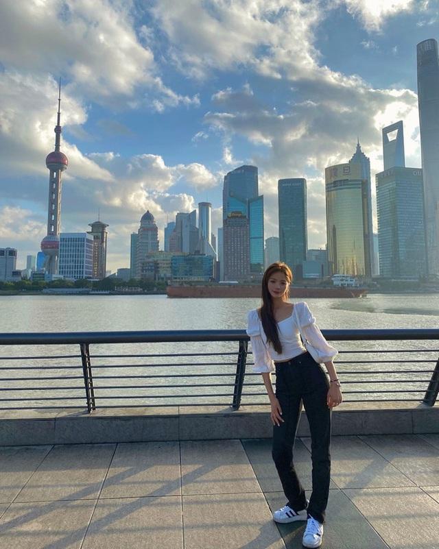 Thần tiên tỷ tỷ Lưu Diệc Phi không phải là đóa hoa nổi bật nhất Mulan 2020 mà chính là nữ diễn viên này đây - Ảnh 12.