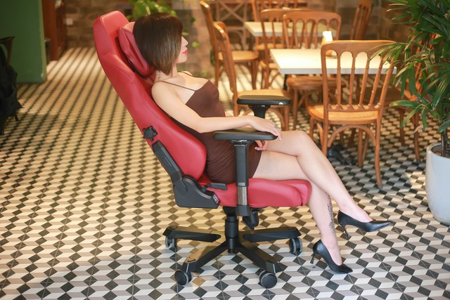 Gaming chair level DXRacer Master Series: The feeling of a tycoon!  Photo 3.
